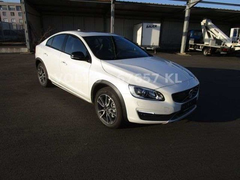 Volvo S60 Cross Country D3 Momentum
