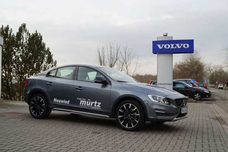 Volvo S60 Cross Country D4 Geartronic Summum